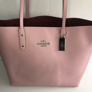 Authentic Coach Carnation/Silver Town Tote NWT